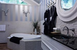 A bathroom at Belle Le Vie