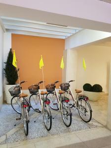 Biking at or in the surroundings of Relais Santa Corona