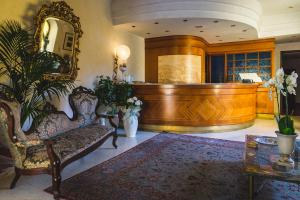 The lobby or reception area at Villa Sonnino