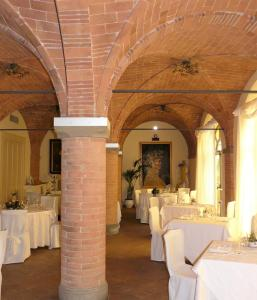A restaurant or other place to eat at Villa Sonnino