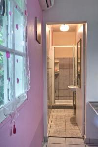 A bathroom at Lockaze