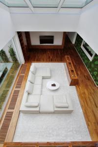 Výhled na bazén z ubytování Rezidence Kavci Hory nebo okolí