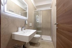 A bathroom at S. Martino Rooms