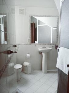 Un baño de Hotel Premier