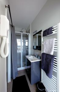 A bathroom at Escale Quai George V