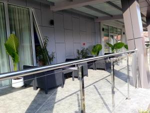 Bazen u ili blizu objekta Garni Hotel Vidić