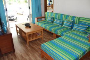 Гостиная зона в Farida Apartments
