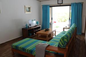 Кровать или кровати в номере Farida Apartments