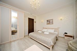 Кровать или кровати в номере Angelina Hotel