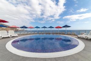 The swimming pool at or near Marina Suites Gran Canaria