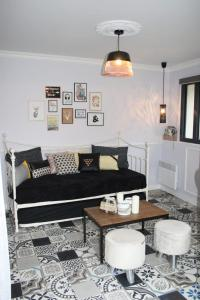 A seating area at le petit boudoir