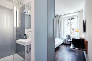 A bathroom at Krafft Basel