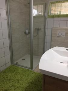 Ein Badezimmer in der Unterkunft Magie Du Léman