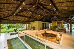 A cozinha ou cozinha compacta de Tivoli Ecoresort Praia do Forte