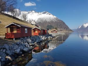 Hustadnes Fjordhytter during the winter