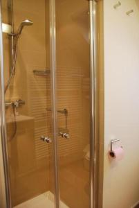 A bathroom at Hotel Rubens