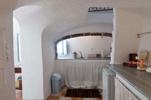 A kitchen or kitchenette at Zoe Aegeas