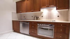 A kitchen or kitchenette at Superior Apartment With Views