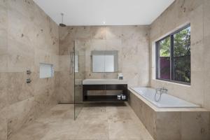 A bathroom at Mont Sapphire Luxury Estate