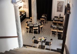Un restaurante o sitio para comer en Hotel Boutique Convento Cádiz