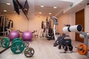 The fitness center and/or fitness facilities at Best Western Plus Bristol Hotel
