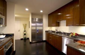 A kitchen or kitchenette at Trump International Hotel Las Vegas