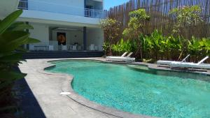 The swimming pool at or close to The Bali Bubble