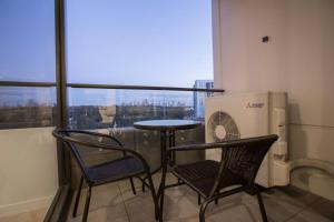 A balcony or terrace at 「Green-hood」Stunning 2 bedrooms Apt@parkville