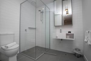 A bathroom at 「Chocolate Taste」1 bdrm Apt@Pakrville+Free parking