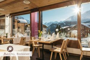 A restaurant or other place to eat at Hotel Bären - The place to rest