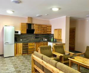 Кухня или мини-кухня в Карелия Чародеи