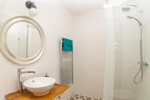 A bathroom at Thetis Birtok