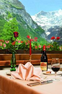 A restaurant or other place to eat at Hotel Gletschergarten