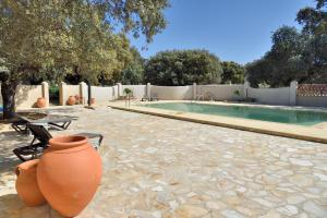 The swimming pool at or near Finca Las Abubillas