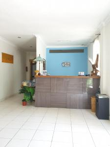The lobby or reception area at At The Beach Candidasa