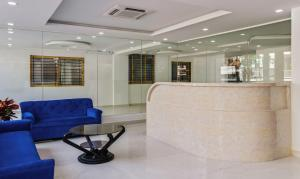 The lobby or reception area at Treebo Trend Blu Orchid