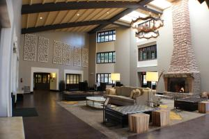 A seating area at Embassy Suites Napa Valley
