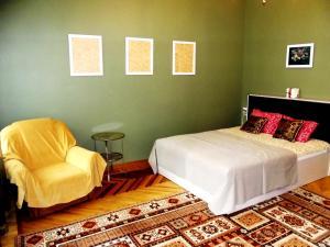 Кровать или кровати в номере Luxury Apartment on 6 linia Vasilevskogo ostrova