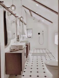 A bathroom at Smens Experience Retreat