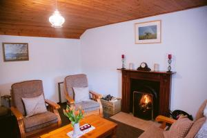 A seating area at Beagh Cottage
