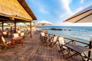 A restaurant or other place to eat at Phu Quoc Eco Beach Resort