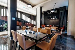 A restaurant or other place to eat at Sochi Marriott Krasnaya Polyana Hotel