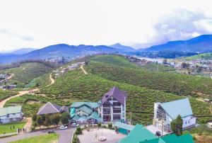 A bird's-eye view of Lourdes Hotel