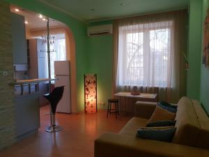 Зона вітальні в 17 вулиця Данилевського