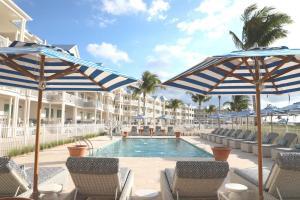 The swimming pool at or near Isla Bella Beach Resort & Spa - Florida Keys