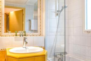 A bathroom at Villa Beaumarchais