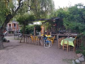 A restaurant or other place to eat at Departamento para dos personas en Potrerillos