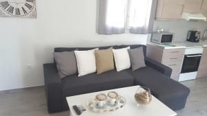 Χώρος καθιστικού στο Akrotiri Skyros