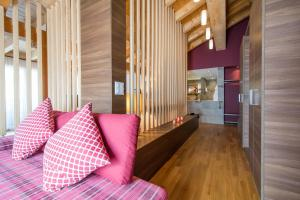 A seating area at Hotel La Cruna