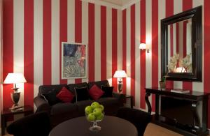 A seating area at Palazzo Branchi - Luxury Suites